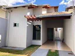 Casa no Arco Verde com excelente localização. Área gourmet com churrasqueira