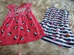 2 vestidos tamanhos  6 e 4