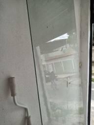 Porta de vidro 2,34 de altura e 74 de comprimento