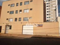 Apartamento com 3 dormitórios para alugar, 76 m² por R$ 750,00/mês - Saraiva - Uberlândia/