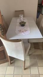 Título do anúncio: Mesa de jantar com seis cadeiras.
