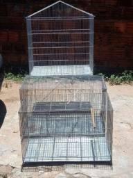 Título do anúncio: Vende duas gaiola de reprodução para calopsita e um viveiro grande