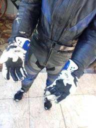 Vendo Macacão Motociclista em Couro ou troco por bicicleta