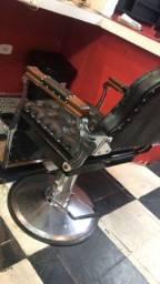 Cadeira de barbeiro com microondas de brinde