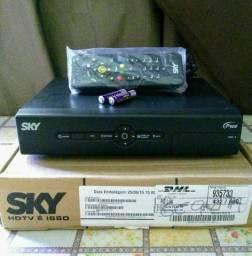 Receptor SKY pace HDTV<br>Com manual e pilhas<br>