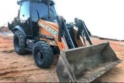 Oprador de retro escavadeira