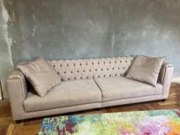 Lindo sofa em estado de novo