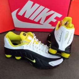 Tênis Nike Shox R4 Tam-41 (original / novo)