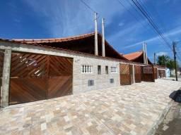 04-Casa com Piscina Novinha - 02 dorms -Mongaguá
