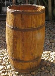 Barriu de madeira antigo 72cm de altura