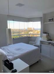 Apartamento padrão luxo totalmente mobiliado 2/4, com suíte vista mar, clouset todo TOP