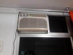 Ar condicionado  Gree 5500 BTUs funcionando