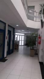 Sala comercial diferenciada na Pituba - locação por $ 1.100,00 ou venda por $ 180.000,00