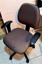 Título do anúncio: Cadeira executiva conforme. RN 17