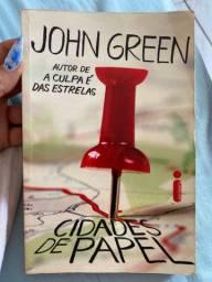 Livro cidades de papel (John Green)