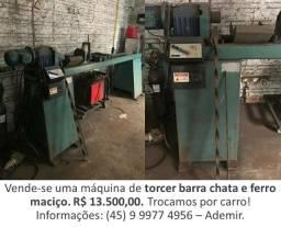Máquina de Torcer Barrachata e Ferro Maciço