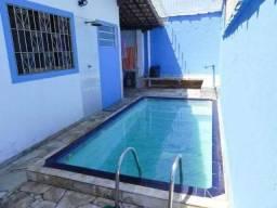Casa com Piscina/Churrasqueira á 300 metros da Praia