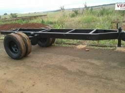 Chasiss de caminhão feito carreta