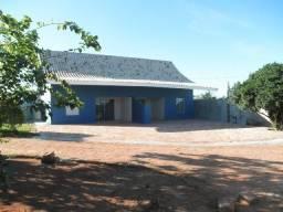 Casa com piscina, duas suítes, condominio fechado em Araguaína