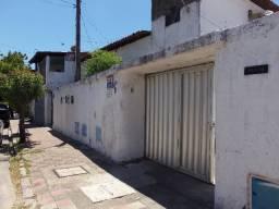 Vendo Imóvel com 4 casas alugadas no Montese, Próximo Alberto Magno