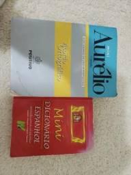 Dicionário português e dicionário espanhol doação