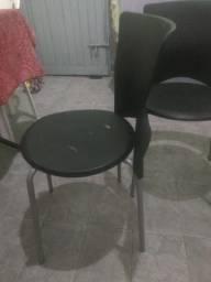 Vendo 3 cadeiras seminovas