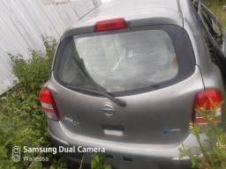 Sucata de Nissan march para retirada de peças