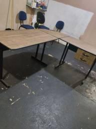 Kit Escritório Completo Mesa em L Com 2 Gavetas + Cadeira Giratória + Cadeira Fixa