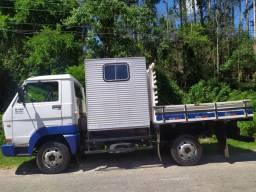Caminhão Volks 5-140