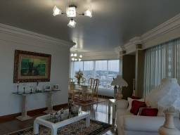 Belíssimo apartamento amplo com portaria 24 horas no centro da cidade