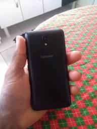 Vendo 2 celulares um Moto G5 e Lenovo