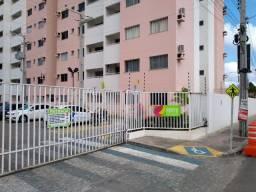 Vendo Apartamento no Condomínio Horto das Rosas, bairro Rosa Elze