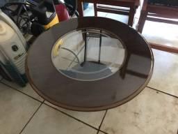 Mesa de centro redonda com vidro