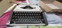 Maquina de escrever Olivetti / Tropical (Preço a negociar)