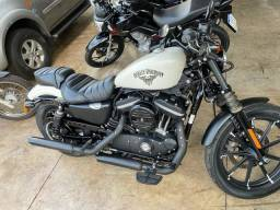 Harley iron 883 novinha baixo km