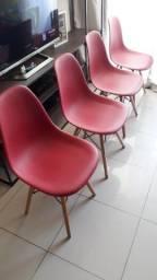 Título do anúncio: Mesa estilo industrial com 4 cadeiras Charles Eames Eiffel