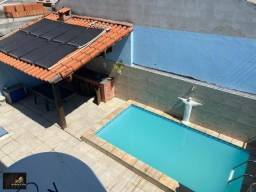 Excelente duplex Cond. Cisne Branco, com 03 quartos, piscina com sistema de aquecimento
