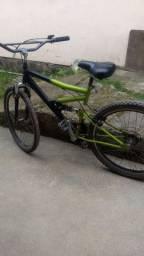 Bicicleta usada, em bom estado