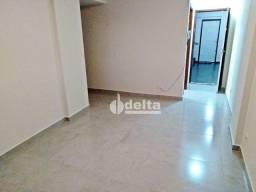 Apartamento com 1 dormitório para alugar, 45 m² por R$ 750/mês - Centro - Uberlândia/MG