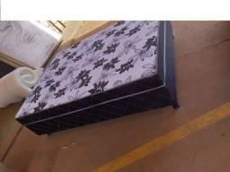 Uma cama maravilhosa com muito conforto, você merece para uma noite de sono perfeita