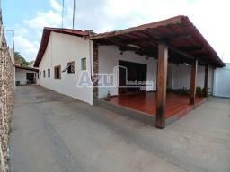 Título do anúncio: Casa com 4 quartos - Bairro Setor Nova Suiça em Goiânia
