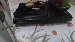 DVD Sony novo nunca foi usado, vem com controle e cabo av
