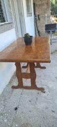 Mesa antiga em madeira para 6 cadeiras