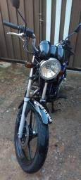 YBR ano 2008 no pedal