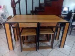 Mesa 1,50 com 5 cadeiras