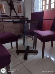 Vendo mesa de madeira com base de madeira e vidro