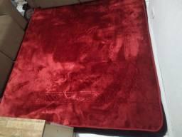 Título do anúncio: tapete novo gg grandão 2x2,40 sem pelo vermelho não felcudo quentinho fofo lindo