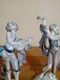 Casal tocando estrume tô antigo