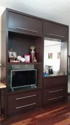 Estante para sala, escritório ou dormitório.