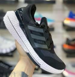 Título do anúncio: Adidas Boost !! Tam 41 e 42